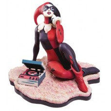 HARLEY QUINN WAITING FOR MY J MAN STATUE (Net)