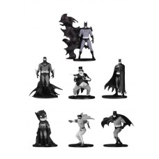 BATMAN BLACK & WHITE MINI PVC FIGURE 7 PACK SET 4