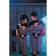 DF WONDER TWINS #1 ELITE GOLD SGN RUSSELL