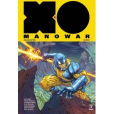 X-O MANOWAR (2017) MATT KINDT DLX HC VOL 01