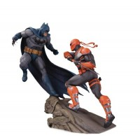 BATMAN VS DEATHSTROKE BATTLE STATUE @U