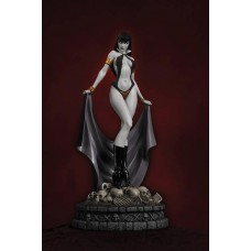 WOMEN DYNAMITE VAMPIRELLA STATUE B&W DIAMOND EYE ED