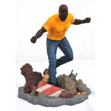 MARVEL NETFLIX DEF GALLERY LUKE CAGE PVC FIG (GAMESTOP)