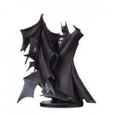 BATMAN BLACK & WHITE DLX STATUE BY TODD MCFARLANE @F