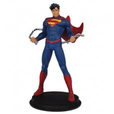 DC SUPERMAN UNCHAINED 9IN STATUE @F