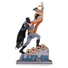 BATMAN VS JOKER LAFF CO BATTLE STATUE