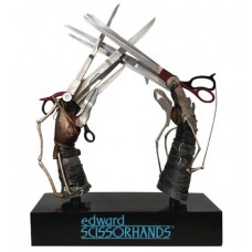 EDWARD SCISSORHANDS 1/1 SCALE SCISSORHANDS REPLICA (Net)