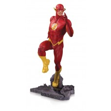DC CORE THE FLASH PVC STATUE